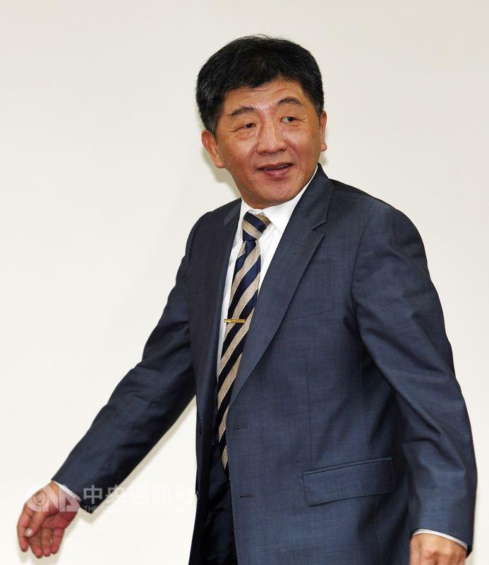 衛生福利部部長陳時中(圖)17日在立法院衛環委員會受訪時表示,台灣至今未獲WHA邀請函,但率團前往時將展現台灣的軟實力,透過舉辦論壇分享彰顯台灣價值。中央社記者施宗暉攝  107年5月17日