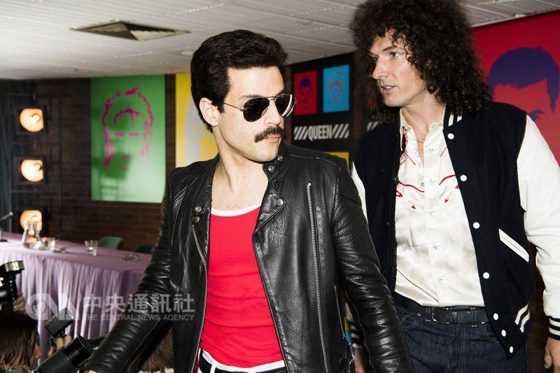 傳記電影「波西米亞狂想曲」以搖滾經典的不敗傳奇「皇后合唱團」為中心環繞,電影透過他們極具原創性與獨樹一格的標誌曲風,和樂團的靈魂人物、主唱佛萊迪墨裘瑞(Freddie Mercury)充滿爆發性且穿透力的歌聲,描述皇后合唱團的崛起。圖為「波西米亞狂想曲」劇照。(福斯影片提供)中央社記者江佩凌傳真  107年5月17日