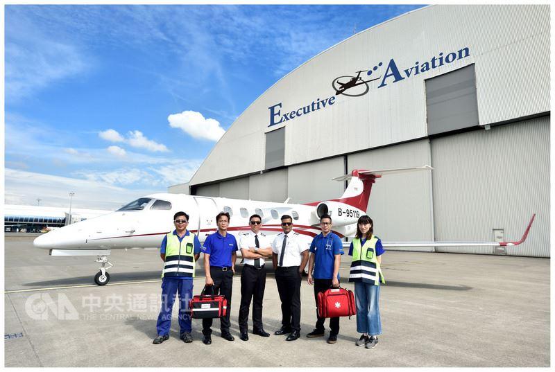 飛特立航空17日公開亮相即將進駐金門的醫療專機,從金門飛台灣只要45分鐘,比起用直升機後送,時間省1.5至2小時。(飛特立提供)中央社 107年5月17日