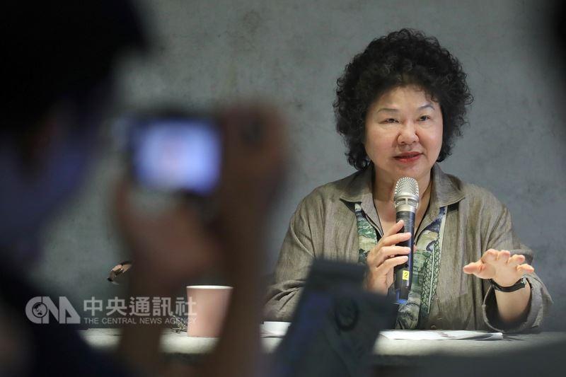 總統府秘書長陳菊17日赴台東及綠島參訪,並與隨團媒體茶敘,回答媒體記者的提問。 中央社記者吳翊寧台東攝 107年5月17日