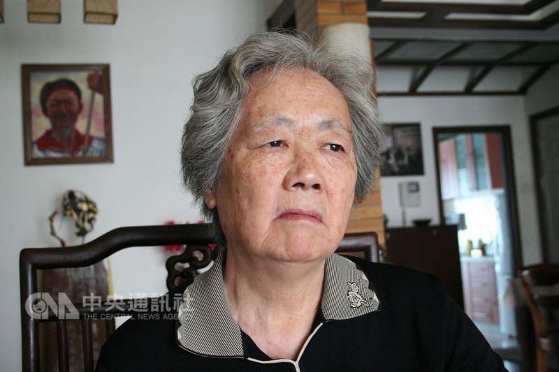 北京「六四」事件遇難者家屬組成的「天安門母親」發出公開信指出,過去29年來,已有51位遇難者家屬離世。圖為天安門母親聯合發起人丁子霖。(檔案照片)中央社  107年5月19日