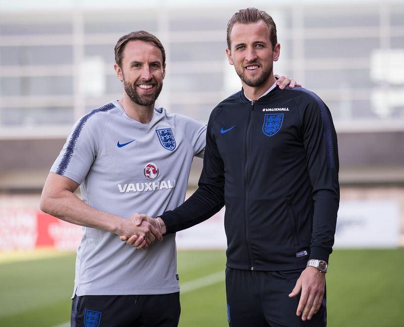 俄羅斯世界盃即將開打,英格蘭隊由24歲的凱恩(右)擔任隊長。(圖取自凱恩臉書facebook.com/harrykaneofficial)