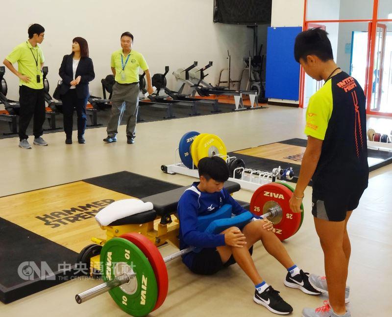 2018年印尼雅加達亞洲運動會賽事8月將登場,台灣各路體育好手齊聚高雄國家運動訓練中心內,加緊訓練、備戰亞運。中央社記者陳朝福攝 107年5月23日