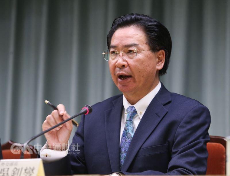 外交部表示,中國近期對台打壓日益強烈,「已造成兩岸關係惡化」,破壞國際安全穩定的源頭,引起台灣人民強烈反感,「也激起國際間對台更強有力且公開的支持」。圖為外交部長吳釗燮。(中央社檔案照片)