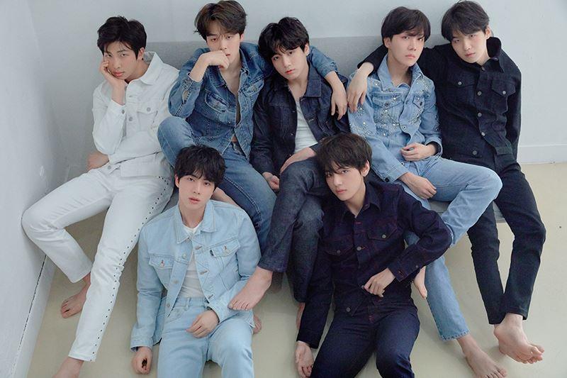 南韓人氣男子團體防彈少年團成為第一個攻占美國指標性告示牌200專輯排行榜榜首的韓國流行音樂團體。(圖取自防彈少年團官方網站 bts.ibighit.com)