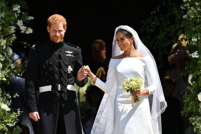 英國版「時尚雜誌」(Vogue)5月31日公布英國25名最具影響力的女性,哈利王子(左)的新娘梅根馬克爾(右)獲選其中。(圖取自英國王室推特twitter.com/RoyalFamily)