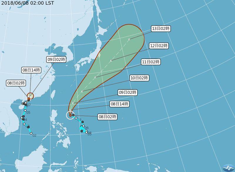 中央氣象局觀測,位在菲律賓東方海面的熱帶性低氣壓,已在8日清晨2時,形成今年第5號輕度颱風「馬力斯」。至於第4號輕度颱風「艾維尼」7日晚間登陸廣東,氣象局預測,艾維尼未來24小時有機會減弱為熱帶性低氣壓。(圖取自中央氣象局網頁cwb.gov.tw)