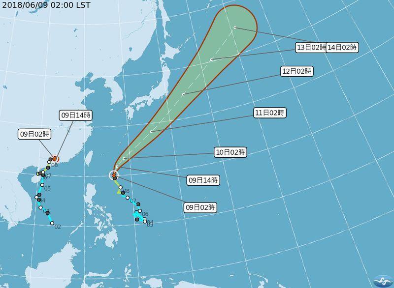 中央氣象局9日預報表示,目前海面上兩個颱風,都不會侵襲台灣,但10日及11日,受熱帶性低氣壓或颱風外圍環流影響,全台都會下雨。(圖取自中央氣象局網頁www.cwb.gov.tw/)