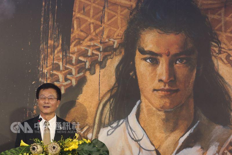 「千年一問 鄭問紀念展」是國立故宮博物院首次展出台灣漫畫作品,也是第一個國家級的漫畫展覽。故宮院長林正儀15日出席開展典禮。中央社記者吳家昇攝 107年6月15日