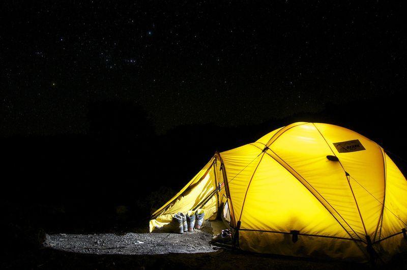 研究顯示,就算是露營、健行等簡單親近自然的活動,人類仍在不知不覺間影響了動物作息。(圖取自Pixabay圖庫)