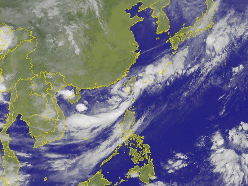 全台15日天氣不穩定,降雨機率高,台南、高雄、屏東及台東都有豪雨等級以上降雨,屏東應防大豪雨。(圖取自中央氣象局網頁cwb.gov.tw)
