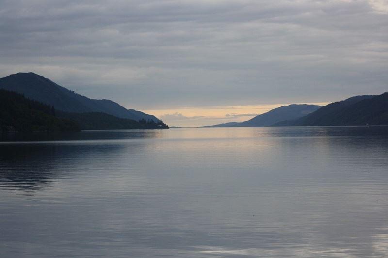 尼斯湖是否有水怪一直是個謎,許多科學家都曾試圖找尋真相。(圖取自Pixabay圖庫)