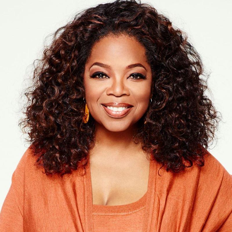 歐普拉的身家18日達到創新高的40億美元(約新台幣1204億元),成為首位登上彭博億萬富翁指數的非裔女企業家。(圖取自Oprah Winfrey臉書www.facebook.com/oprahwinfrey)