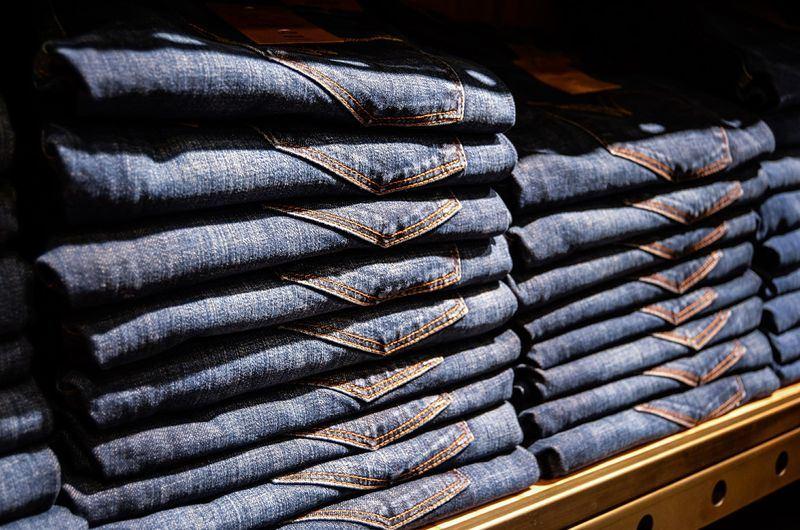 為反制美國總統川普祭出鋼鋁高關稅,歐盟報復性關稅將自22日生效,對象包括牛仔褲等總值32億美元產品。(圖取自Pixabay圖庫)
