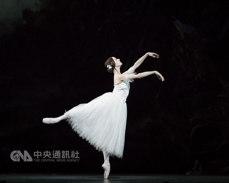 「國際芭蕾舞星在台北」12年了,今年,來自馬林斯基劇院、巴黎歌劇院、英國皇家芭蕾舞團等7大知名芭蕾舞團的12位芭蕾明星將同台「國際芭蕾舞星GALA」演出。圖為英國皇家芭蕾舞團首席努涅斯(Marianela Nunez)。(黑潮藝術提供)中央社記者汪宜儒傳真 107年6月20日