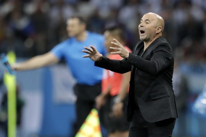 南美勁旅阿根廷目前在世界盃小組賽2戰1敗1和,瀕臨淘汰邊緣,總教練桑帕歐里21日懇請阿根廷球迷原諒。(達志提供)