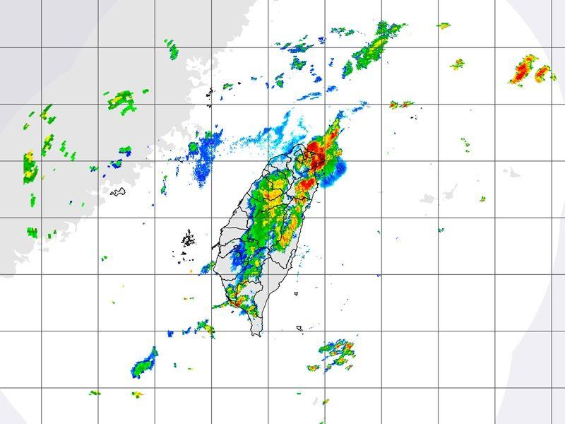 圖為22日下午3時10分雷達合成回波圖。(圖取自氣象局網頁www.cwb.gov.tw)
