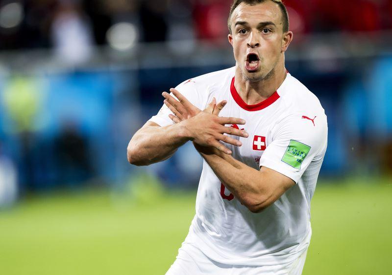 瑞士22日在世界盃E組對上塞爾維亞,靠著沙奇里在90分鐘踢進致勝球,瑞士以2比1獲勝。(達志提供)