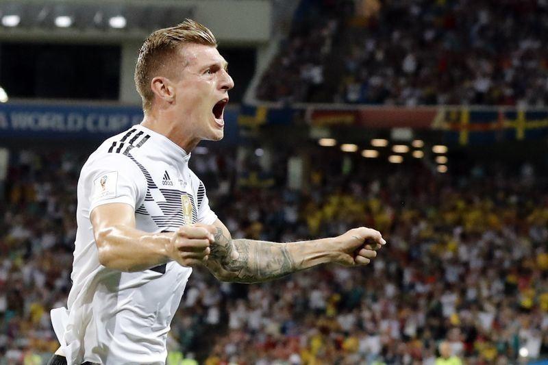 世足小組賽德國23日與瑞典戰到第95分鐘,靠著克羅斯(圖)踢進一記自由球,以2比1險勝,保住晉級希望。(達志提供)