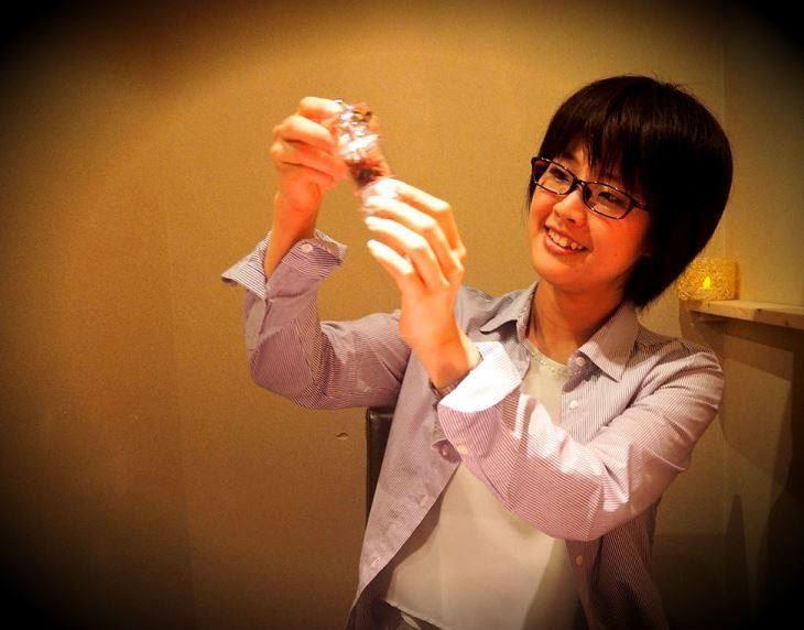 奧姆真理教前教主、63歲死囚麻原彰晃6日伏法後,他的三女兒松本麗華(圖)的推特遭人寫進誹謗留言。(圖取自松本麗華臉書www.facebook.com/asahara.sanjo)
