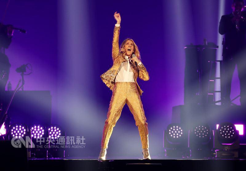 加拿大知名女歌手席琳狄翁(Celine Dion)台北演唱會11日晚間在台北小巨蛋精彩登場,這是席琳狄翁首度來台開唱。中央社記者張皓安攝 107年7月11日