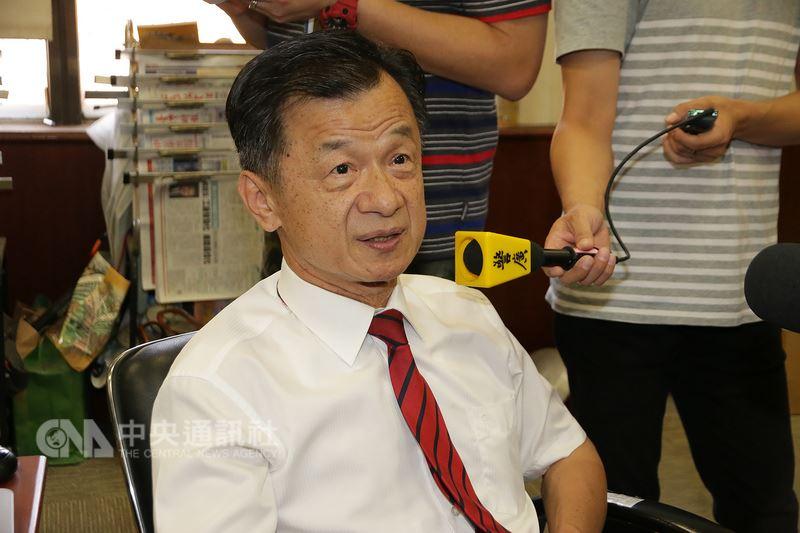 總統府12日表示將請法務部長邱太三(圖)出任國家安全會議諮詢委員,但邱太三表示,還在猶豫中。中央社記者蕭博文攝 107年7月12日