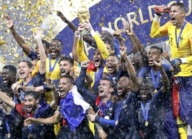世界盃決賽由「高盧雄雞」法國以4比2擊敗「格子軍團」克羅埃西亞奪冠。(共同社提供)