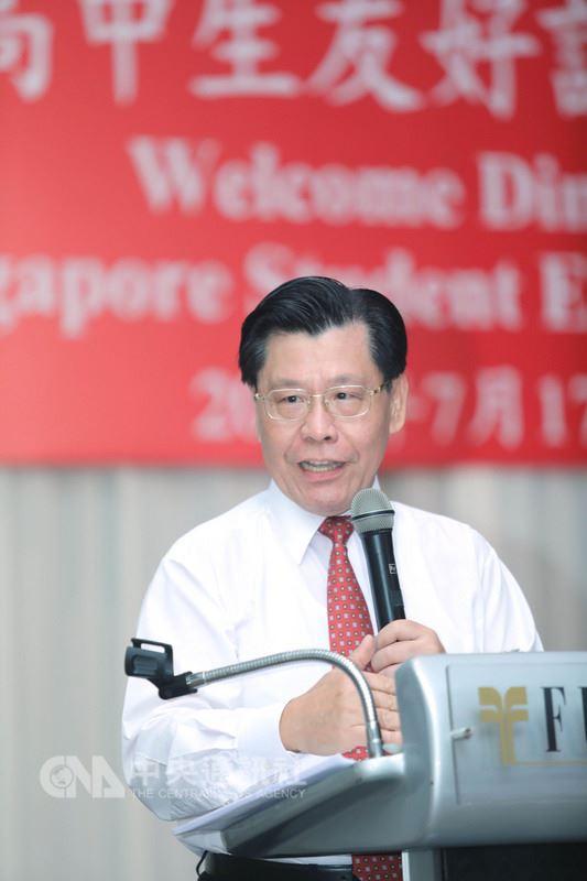 「中華民國高中生友好訪問團」赴新加坡參訪,駐星代表梁國新盼透過彼此相互學習,強化台灣學子競爭力,培養國際觀。中央社記者黃自強新加坡攝 107年7月17日