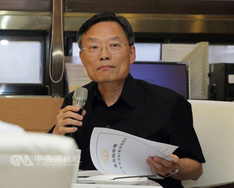 最高檢察署檢察總長江惠民18日與媒體茶敘時表示,目前仍有43名死囚判刑定讞但未執行,43案分別在最高檢或法務部審核中。中央社記者蕭博文攝 107年7月18日