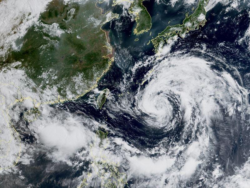 圖為20日上午9時台灣附近衛星雲圖。(圖取自氣象局網頁www.cwb.gov.tw)