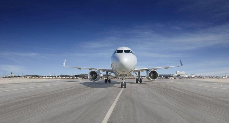 全美3大航空公司屈服於北京壓力,在最後關頭修改訂票系統的台灣名稱,但都採彈性做法,只呈現城市或機場名稱。(圖取自美國航空臉書facebook.com/AmericanAirlines)
