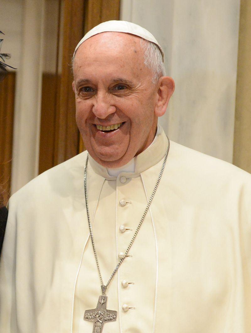 天主教教宗方濟各2日在更新天主教信徒最重要指南時,宣告「不容許」死刑。(圖取自維基共享資源,作者Casa Rosada,CC BY-SA 2.0)