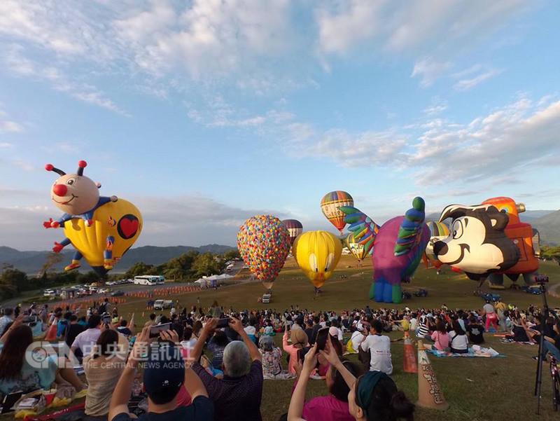 台東年度必玩活動網路票選出爐,國際熱氣球嘉年華活動名列第一。(台東縣政府提供)中央社記者李先鳳傳真 107年8月6日