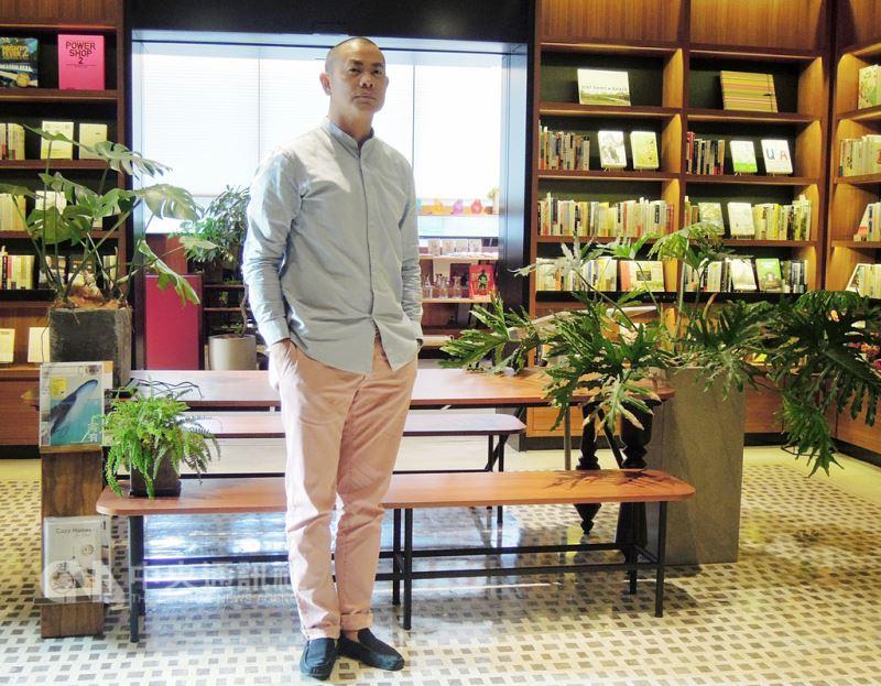 台灣名廚江振誠9日首度公布未來規畫,他表示,今年將陸續開辦工作坊,也計劃3年內在亞洲籌備廚藝學院。中央社記者吳欣紜攝 107年8月9日