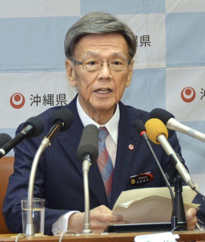 日本沖繩縣知事翁長雄志8日因癌病逝,享壽67歲。(檔案照片/共同社提供)