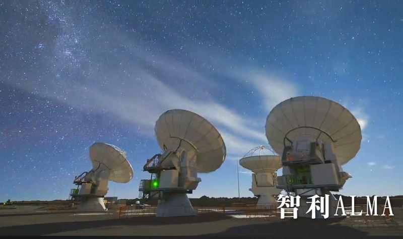 記錄全世界唯一一座坐落在北極圈中的次毫米波望遠鏡—格陵蘭望遠鏡的建置歷程的科普紀實影片,17日晚間將在台大全球首映。(圖取自穹頂天眼—從格陵蘭看黑洞臉書facebook.com)