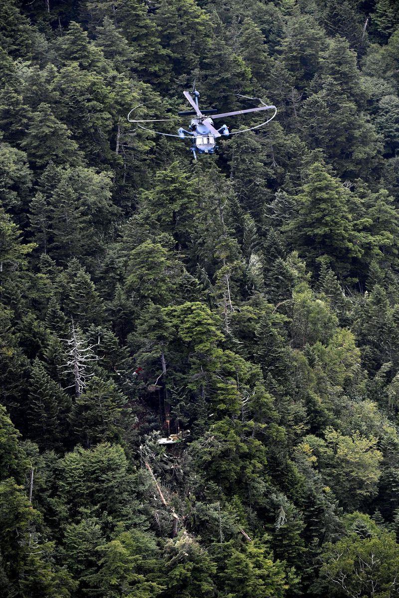 10日上午,日本群馬縣政府一架載有9人的防災直升機,未在預定時間返回且失聯。(共同社提供)