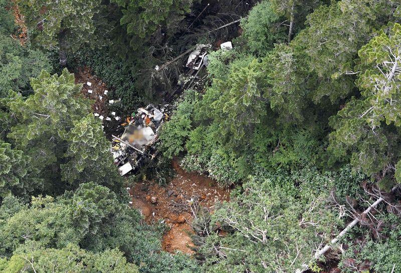 一輛搭載9人的群馬縣政府所屬防災直升機在日本中部山區墜毀。(共同社提供)
