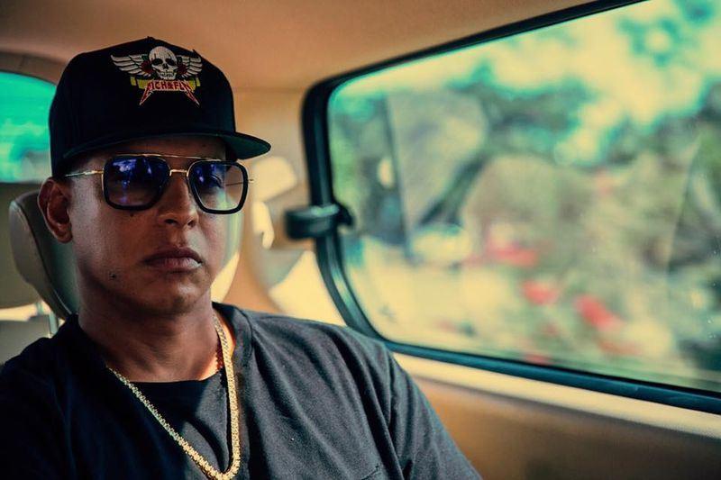 波多黎各歌手洋基老爹在西班牙下榻的飯店房間遭人潛入,從保險箱內偷走價值200萬歐元的珠寶。(圖取自洋基老爹臉書facebook.com/daddyyankee)