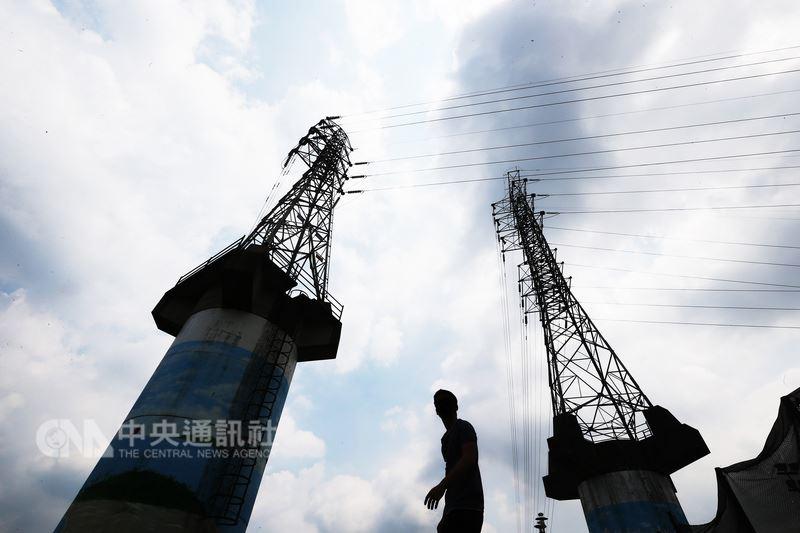 行政院發言人Kolas 10日表示,台灣不會缺電,現在也沒有急迫缺電的問題。(中央社檔案照片)