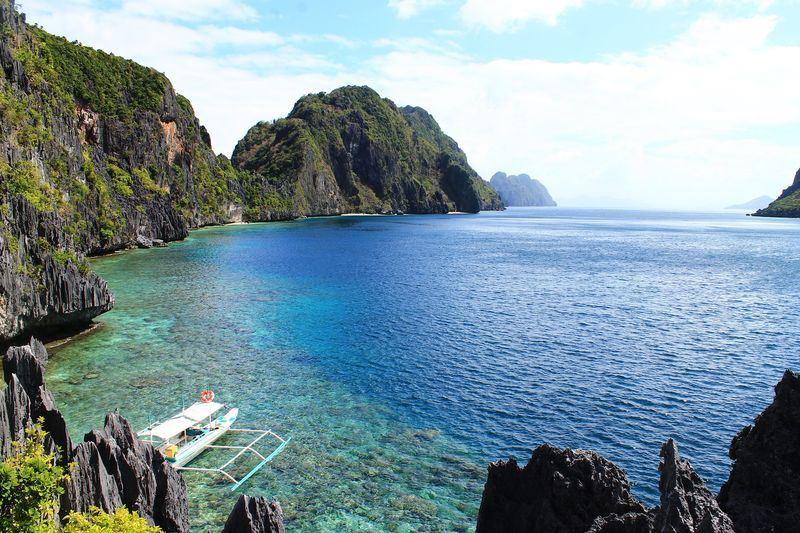 艾尼島位在菲律賓西南方,是著名的觀光勝地。圖為艾尼島一景。(圖取自Pixabay圖庫)