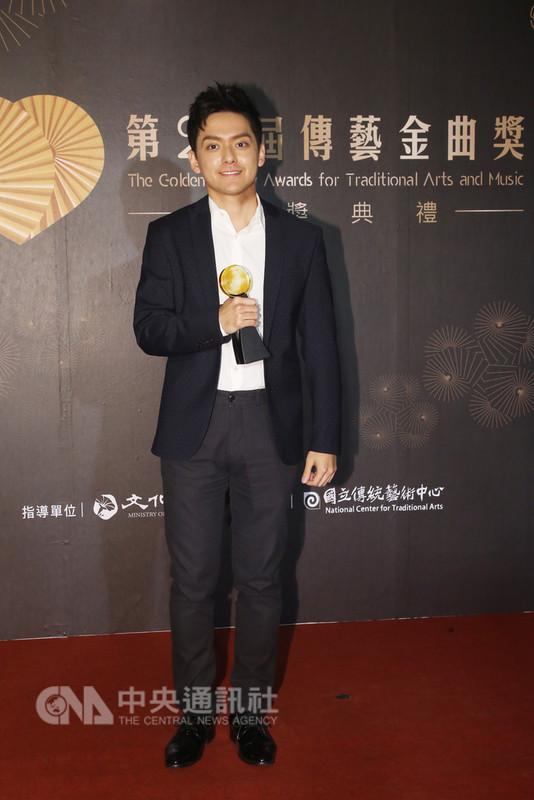 第29屆傳藝金曲獎頒獎典禮11日晚間在台灣戲曲中心登場,小提琴家曾宇謙榮獲演奏類最佳詮釋獎。中央社記者吳家昇攝 107年8月11日