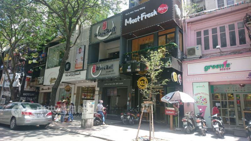 越南的商店講究裝潢、視覺效果,因此門面設計絕對不能馬虎。中央社記者潘姿羽攝  107年8月12日