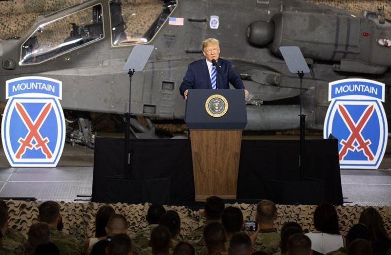 美國總統川普簽署國防授權法生效,誓言新的「太空軍」將讓美國擁有壓倒中國和其他對手的優勢。(圖取自川普推特twitter.com/realDonaldTrump)