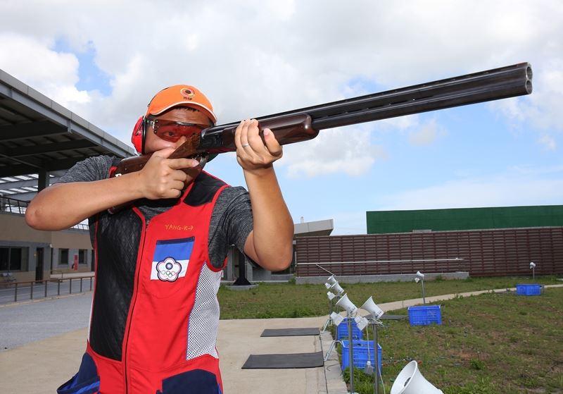楊昆弼20日在雅加達亞運射擊男子不定向飛靶決賽,以平世界紀錄的48分奪金,賽後他表示,接下來的目標將放眼2020年的東京奧運。(中華奧會提供)
