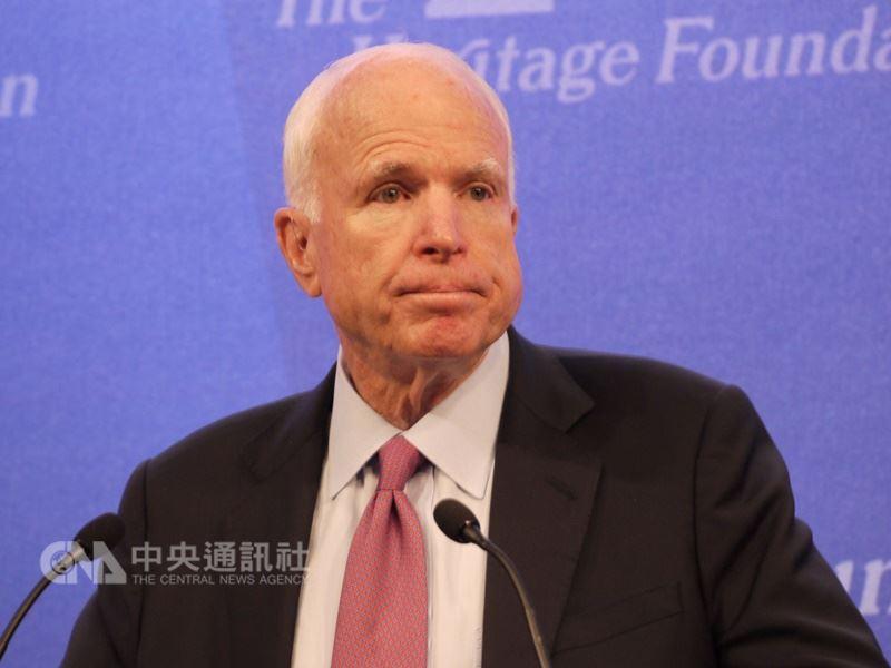美國聯邦參議院軍事委員會主席馬侃,25日因腦癌在亞利桑那州辭世,享壽81歲。(中央社檔案照片)