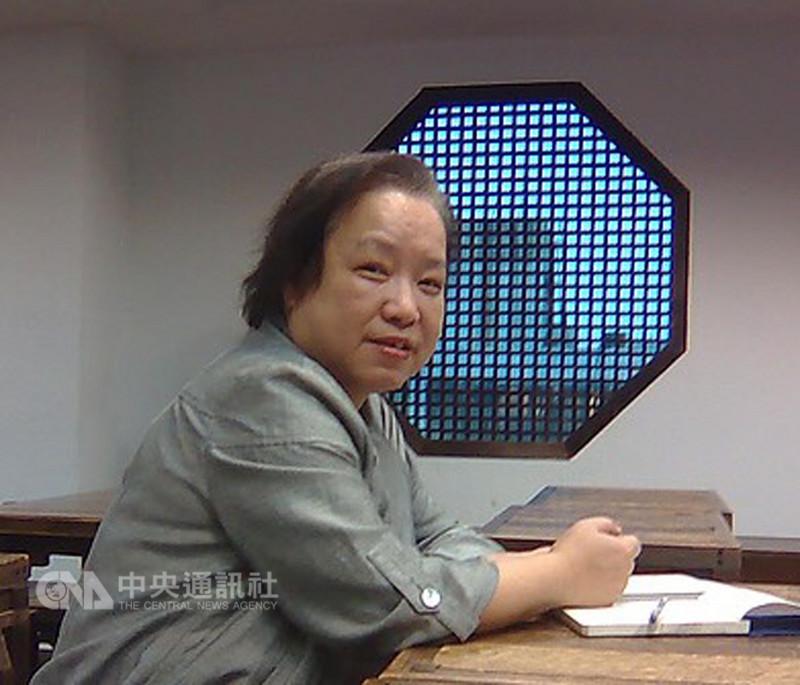 文化部29日正式公布第42屆金鼎獎得獎名單,本屆特別貢獻獎由九歌出版社總編輯陳素芳獲得,肯定其36年文學編輯生涯的付出及貢獻。(陳素芳提供)中央社記者汪宜儒傳真 107年8月29日