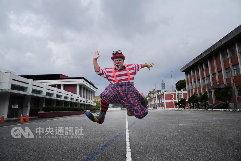 空軍總司令部舊址化身台灣當代文化實驗場,將推出「夏日青年藝術節-玩聚場」展演活動,自9月8日起展開,邀請所有民眾一起玩遍舊空總的每個角落。中央社記者王飛華攝 107年8月31日