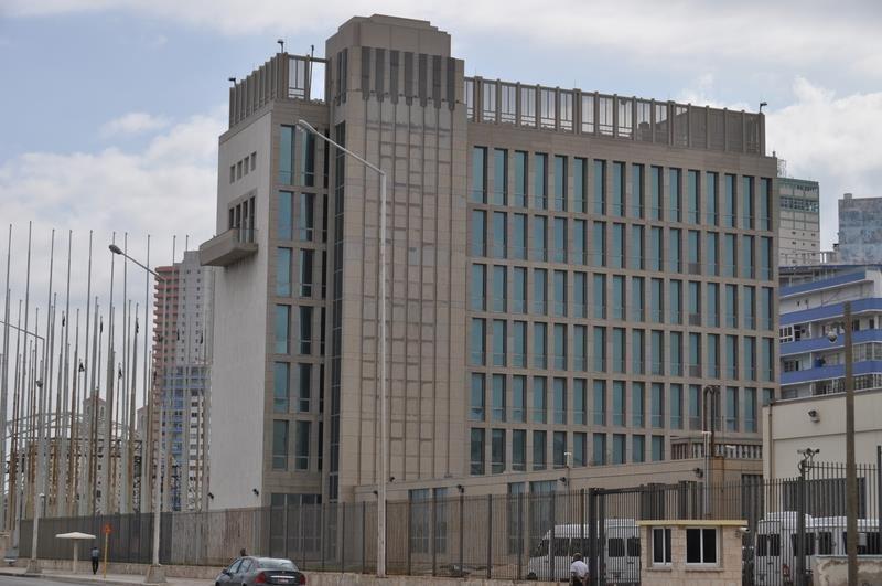 30多名駐古巴和中國的美國外交官員和家屬日前遭遇神秘疾病襲擊,非傳統的微波武器攻擊可能是元凶。圖為美國駐古巴哈瓦那大使館。(圖取自維基共享資源,作者Escla,CC BY-SA 3.0 )