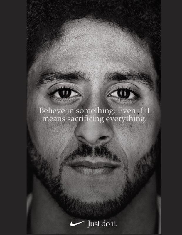 耐吉(Nike)在2018年NFL球季展開前幾天推出新廣告,其中卡珀尼克的形象標語是:「捍衛信念。即使這意味著犧牲一切。」(圖取自卡珀尼克推特twitter.com/Kaepernick7)